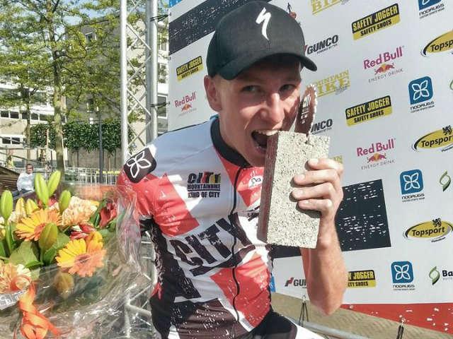 Jeroen van Eck wint City Mountainbike Rotterdam