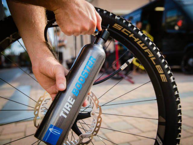 Schwalbe Tire Booster vergemakkelijkt montage tubeless banden