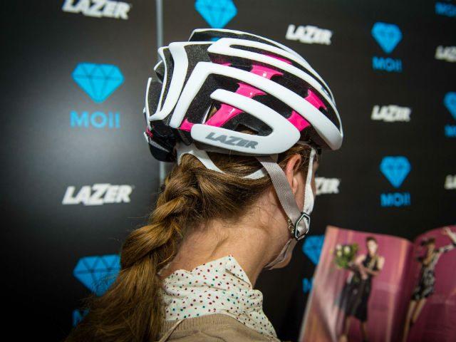 Lazer-helmen zijn ponytail-vriendelijk